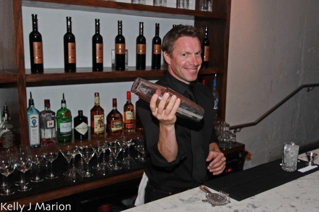 Taste Resto & Lounge bartender