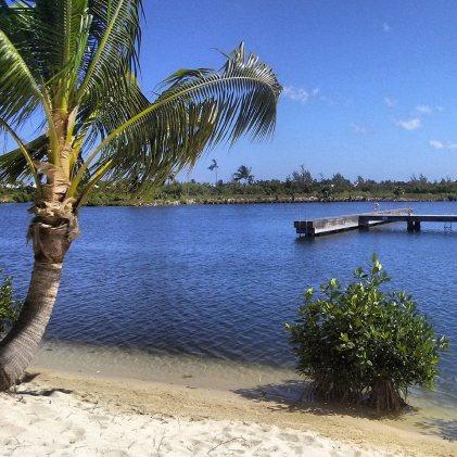 Grand Cayman, Camana Bay