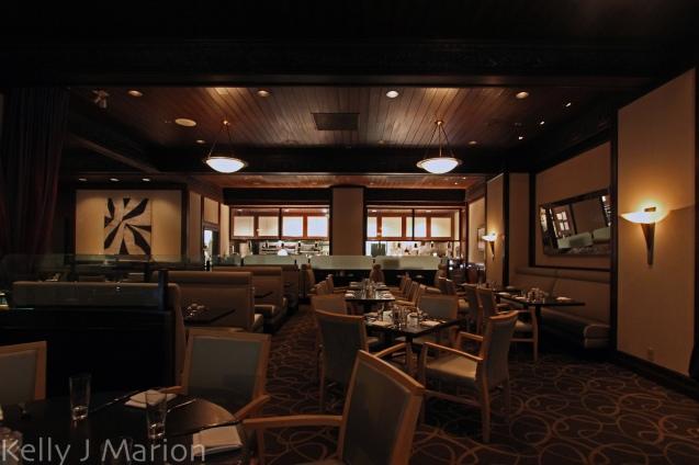 Mosaic Bar and Grill - Hyatt Regency Vancouver Van Eats Art of Taste Package