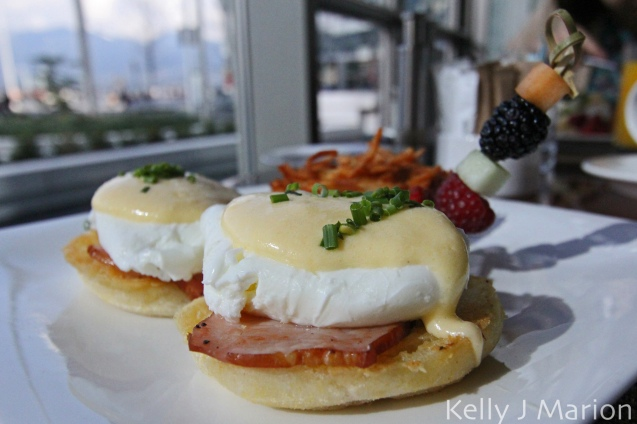 Traditional Eggs Benny